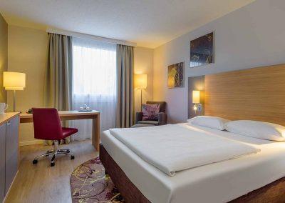 Fürther Mercure Hotel Nürnberg West Privelege Zimmer Holzboden