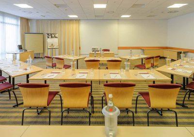 Fürther Mercure Hotel Nürnberg West Tagungsraum parlamentarisch